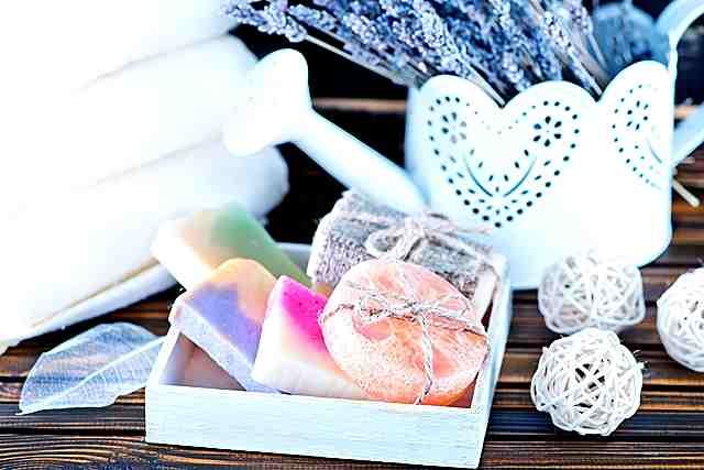 自然安心できる手作り石鹸!灰を使った昔ながらの石鹸の作り方